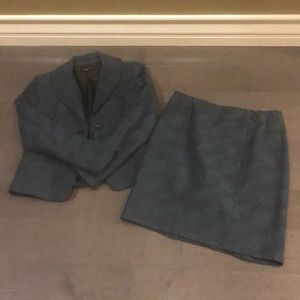 Ann Taylor 4P suit teal/gray and fully lined.